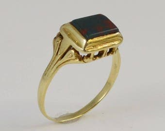 14k Yellow Gold Antique Bloodstone Ring Size 5.5(01028)