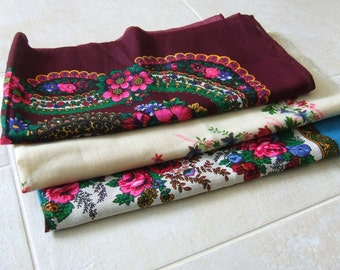 SALE Wool scarf.Vintage USSR.Pavlov Pasad Black scarf Bright flowers.Soviet shawl Folk tradition. Wool shawl. Ukrainian style. Soviet scarf.