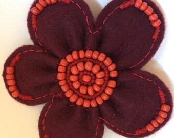 Felt flower brooch red coral Beads Border gift