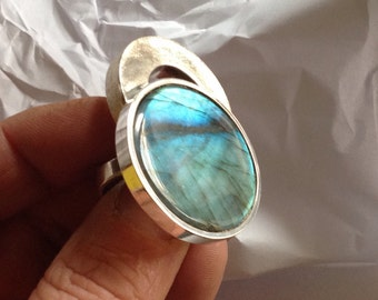 Silver ring with Labradorite model UFO.