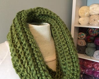 Lucky Green Chunky Knit Cowl