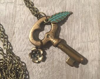 Brass Skeleton Key Necklace//Antique Brass Skeleton Key necklace//Feather Key Necklace//Flower Key Necklace