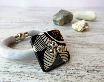 Hand made bracelet with square porcelain pendant, bijoux porcelain jewelry, cuff ceramic bracelet, hand painted jewelry, ceramic bijoux