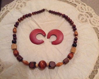 Vintage Wood Beads with matching Wood earrings