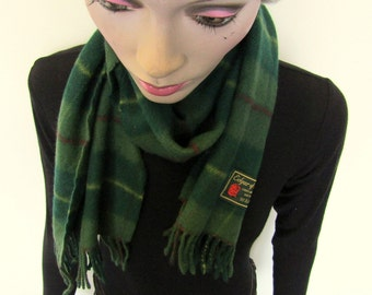 Lovely green vintage lambswool scarf by Edgar of Scotland