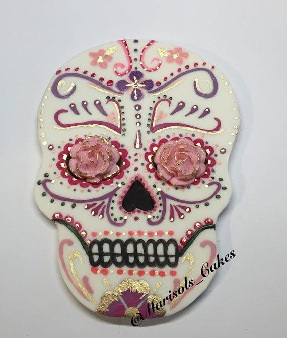 how to make a skull cake topper
