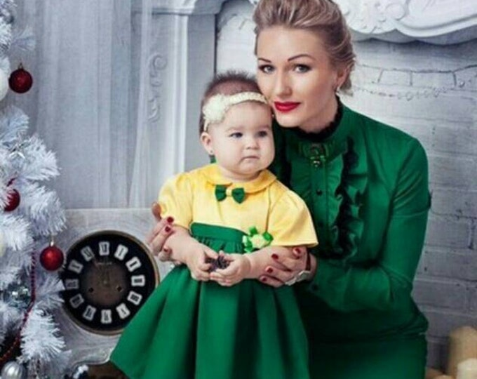 Cotton Christmas mother daughter matching midi dress, Green sleeve matching outfits Knee length dress, dress for mother and daughter