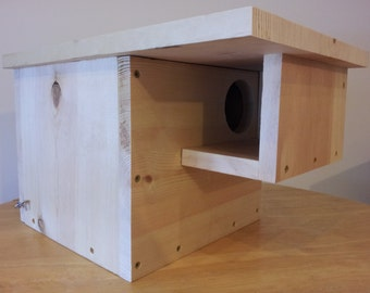 """FREE GROUND SHIPPING!!! Handmade Pine Wood Squirrel House Nesting Box With 3"""" Entrance And Hinged Rear Door"""