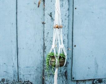 """Macramé Plant Hanger """"Oliver Twist"""""""