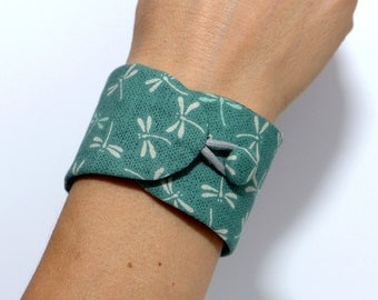 Obi Style Bracelet - Japanese Fabric - Cuff Bracelet Green Dragonflies
