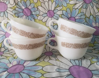 Pyrex Woodland cups (4)