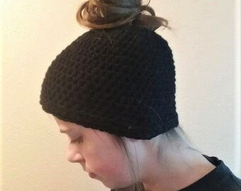 Messy Bun Hat, Ponytail hat, Crochet Hat, Messy Bun Beanie, Winter Accessory, Black Messy Bun