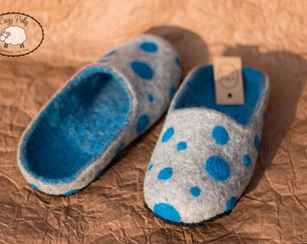 Felt gift Blue Polka Dots Womens Slippers House Shoes Wool Slippers, Handmade Slippers Felted clogs Slippers for Women Woolen slippers