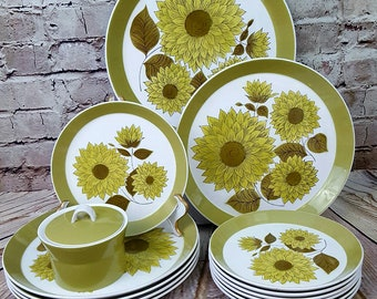 Mikasa Dahlia Ben Seibel China 14PC 1970's