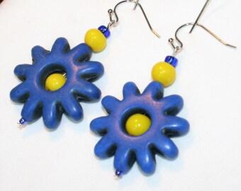 Blue flower glass and ceramic earrings E104