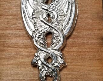 Double dragon pendant