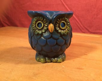 Vintage Retro Shabby Chic Made in Japan Blue Resin? OWL