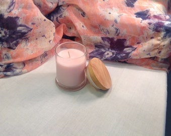 Red apple soy candle