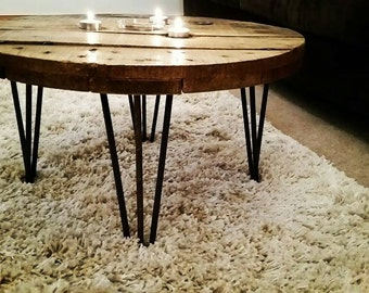 Cable reel coffee table with 4 steel hairpin legs
