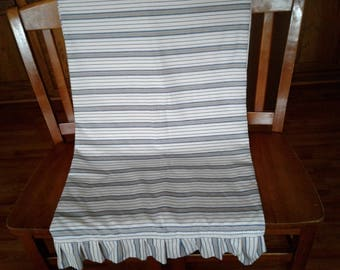 Lightweight spring and summer throw blanket