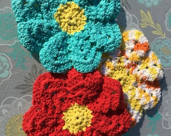 3 pack of washcloths, flower shaped