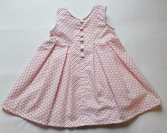 "George: the dress ""to old"" with buttons and flanges..."