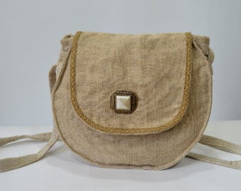 Handmade purse - made of linen with original decoration with lace