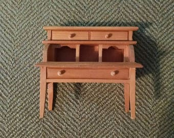 Very Nice Looking Wood Desk, Miniature, Dollhouse Furniture