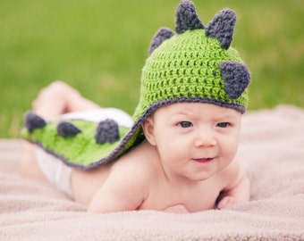 Newborn dinosaur hat - baby boy hats - baby girl hats - crochet hat - photo prop - baby shower gift - baby dino hats - dino hats
