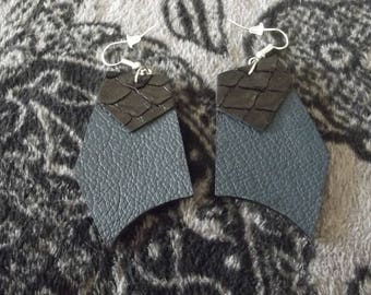 Chic leather earring