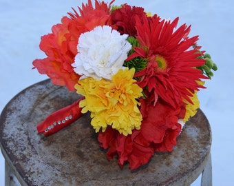 Stunning and bright bouquet for your event!