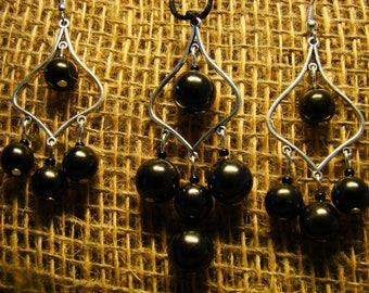 Shungite set of earrings and pendant with beads from Karelia.
