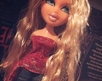 Blonde beauty Bratz doll