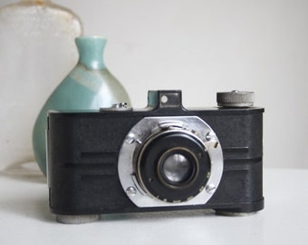 Vintage Camera, Argus AF, Art Deco Office or Studio Decor, Telescoping Lens