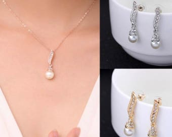 Bridal Silver or Gold Plated Rhinestone Crystals Pendant Necklace and Earring Set // Wedding Jewelry Set