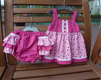 Baby girl dark pink sundress and ruffled bloomers / nappy cover set with lace trim. 1-3 months. Sundress and frilly pants