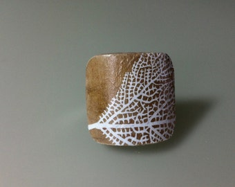 White Leaf Ring