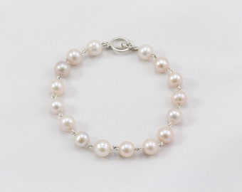 Bracelet of silver and pearls