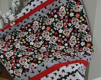 Minnie Mouse Quilt, baby quilt, quilt, toddler quilt, baby bedding, crib quilt, baby quilt girl, modern quilt, handmade quilt