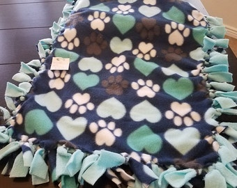 Blue Paws and Hearts Knot Blanket
