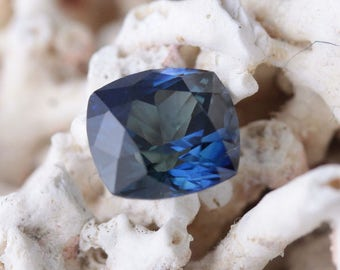 Natural Sapphire 2,22 carats- precious stone- gemstone certified by a Swiss laboratory