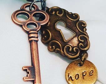 Key & Lock with 'hope' pendant Necklace