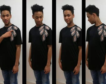 With this tee shirt men size 38/40 taste has the originality/Man Tee shirt size 10/12 taste the originality
