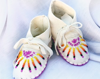 Baby Shower Gift-Baby Soft Sole Leather Shoes-Moccasins-Native American Art-Beaded Moccasins-Boy-Girl Moccasin-SUNBURST