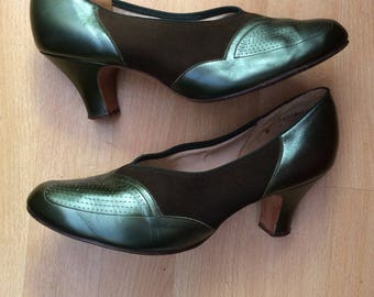 Green leather 1940s/50s shoes by Bective, Size UK 6