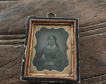 Vintage antique Victorian daguerreotype embossed leather case 1/16 plate young woman