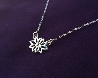 Flower-style Necklace