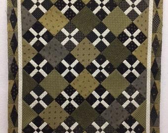 Criss Cross Applesauce Mini Quilt Kit