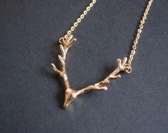 gold tone Stag head necklace