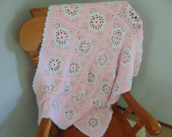 "Pink flower granny square; crochet Baby Blanket - ""Pretty in Pink""; Baby Girl, Baby shower gift, pink, granny square"